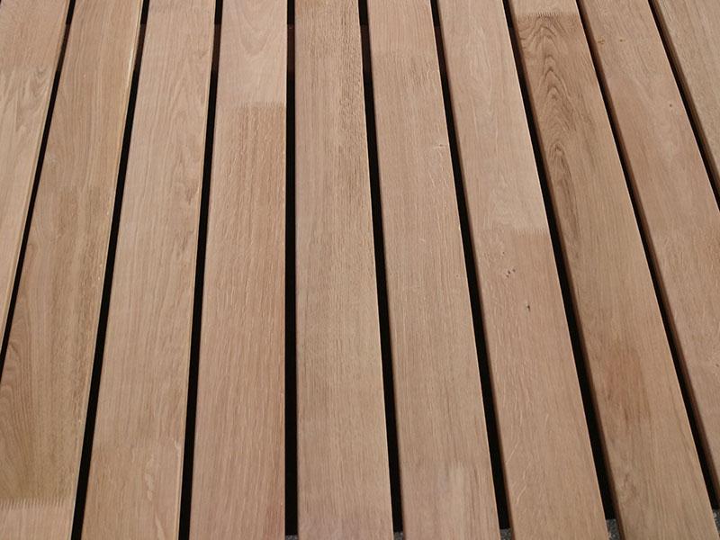 terrassenholz in eiche massiv select in balliger oberfl che. Black Bedroom Furniture Sets. Home Design Ideas